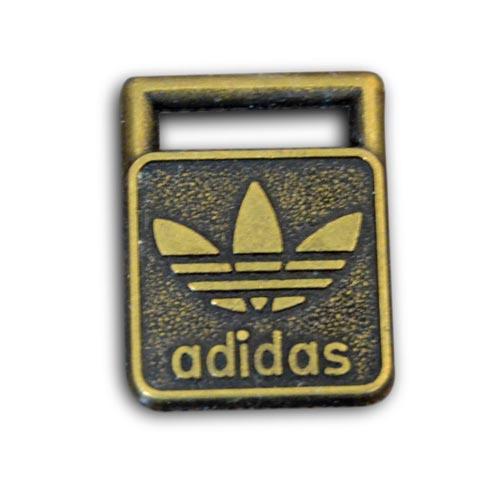logo métal personnalisé